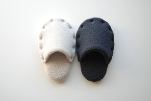 Slippers_shirokuro
